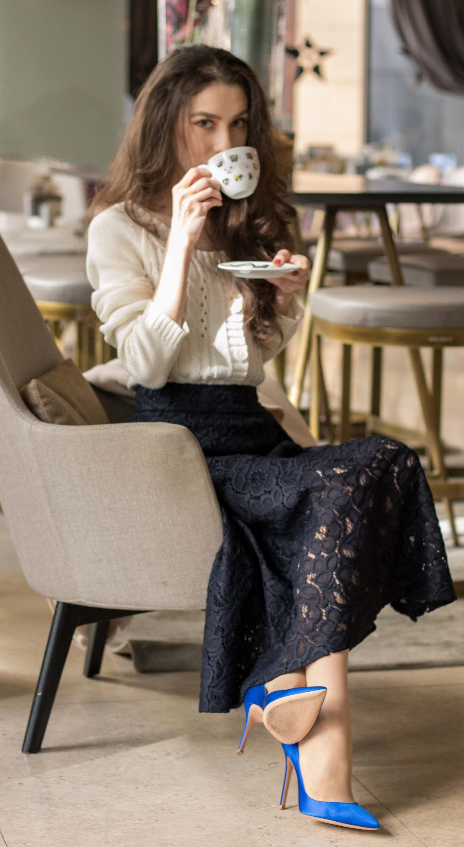 Beautiful Slovenian Fashion Blogger Veronika Lipar of Brunette from Wall wearing white Mango cardigan etude into black lace midi skirt, blue Gianvito Rossi pumps for fall Sunday brunch with his parents