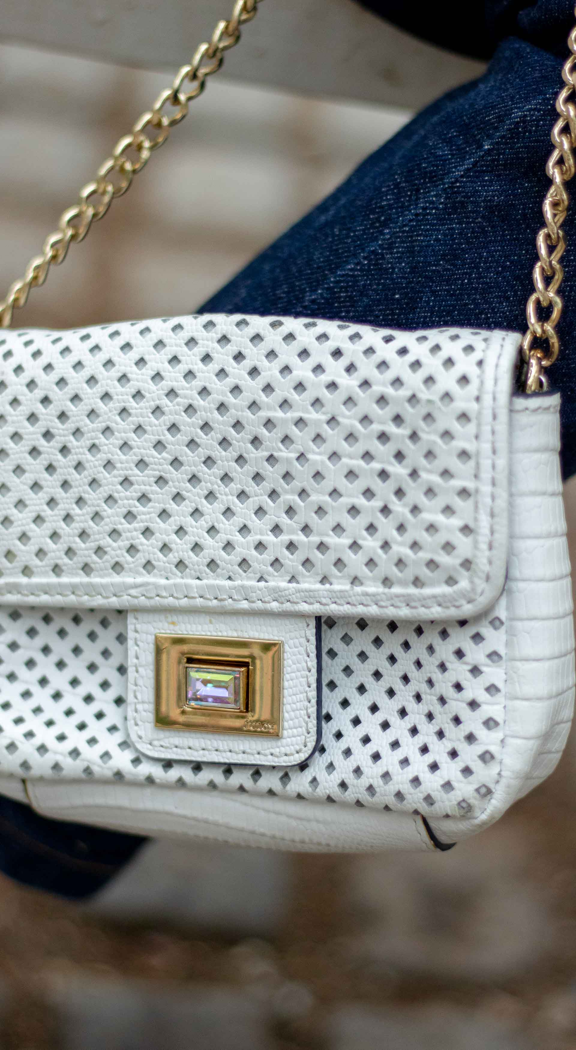 white chain strap shoulder bag