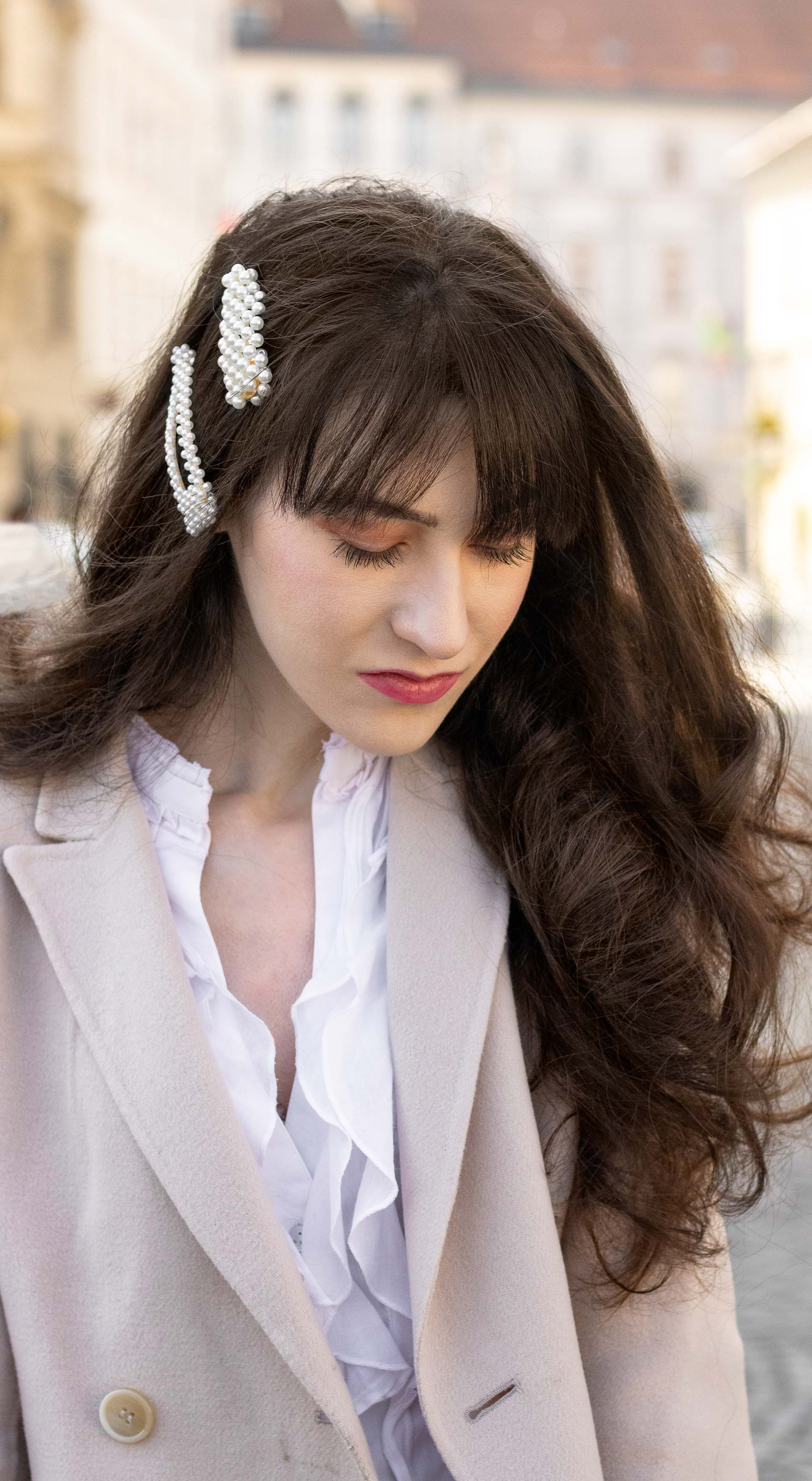 Brunette from Wall Street hair trends pearl hairpins