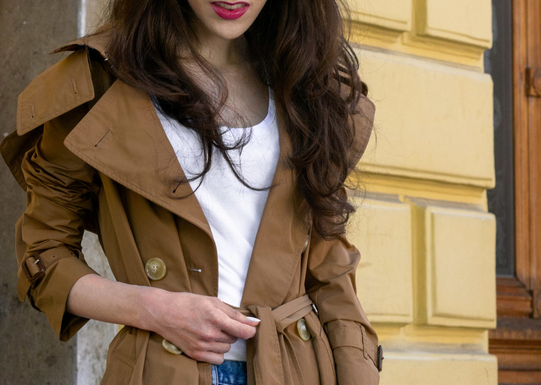 Must follow Fashion Blogger Veronika Lipar of Brunette from Wall Street wearing Burberry trench coat A.P.C. Paris blue denim jeans white T-shirt