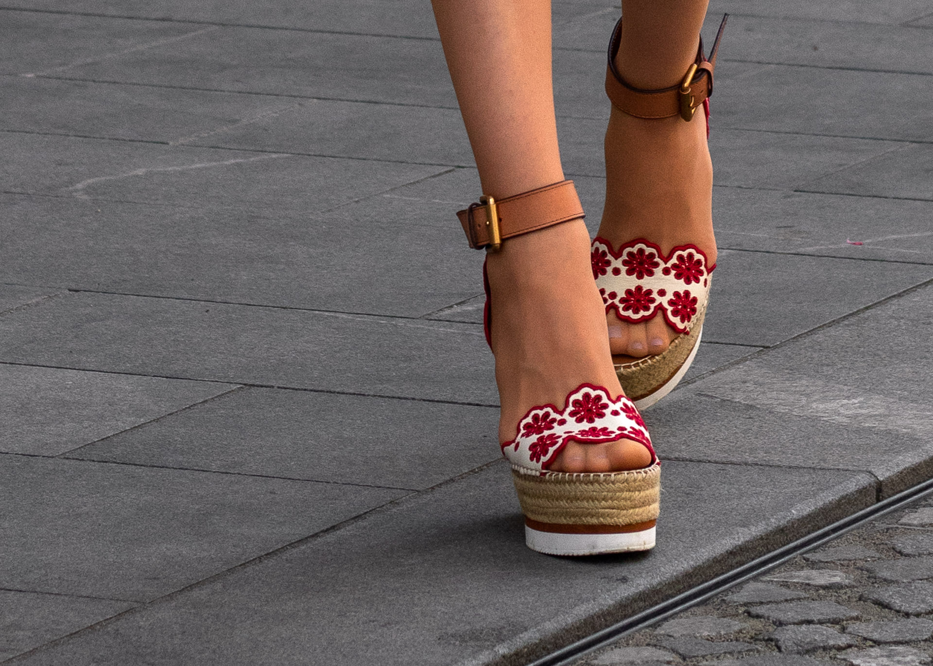 Fashion Blogger Veronika Lipar of Brunette from Wall Street wearing See by Chloé wedge espadrille in the city
